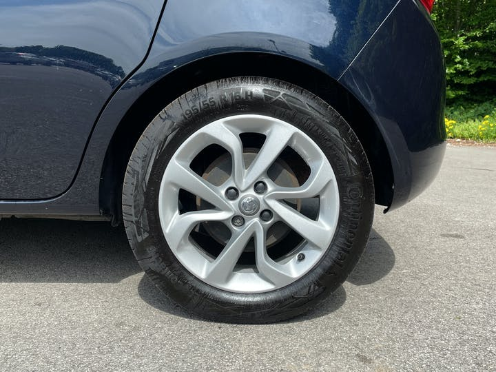 Vauxhall Corsa 1.4i Ecotec SRi Nav Hatchback 5dr Petrol (90 Ps) | LR19EPA | Photo 15