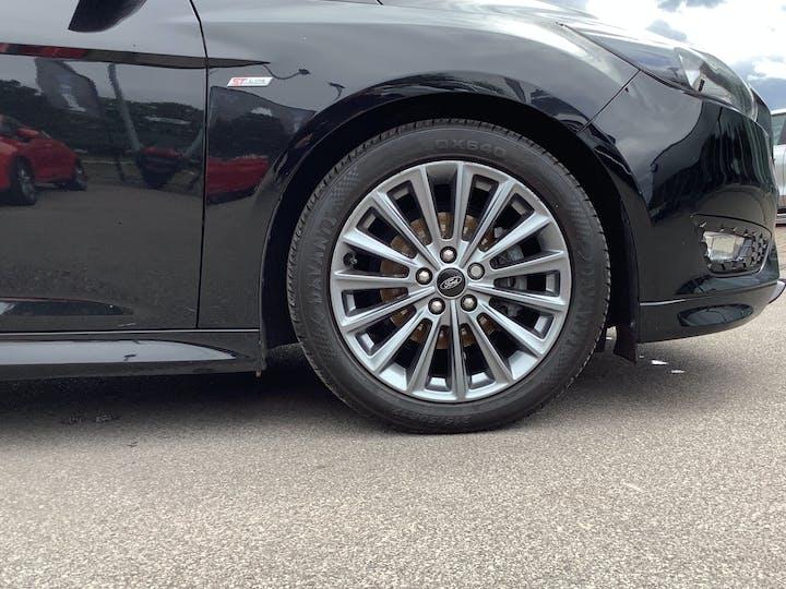 Ford Focus 1.0t Ecoboost St Line Hatchback 5dr Petrol (s/s) (140 Ps)   MF18TDZ   Photo 15
