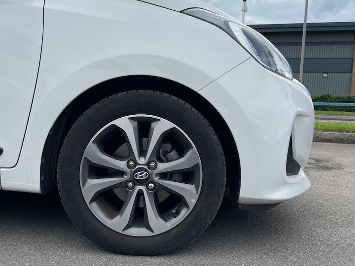 Hyundai i10 1.2 Premium SE Hatchback 5dr Petrol (87 Ps) | MJ67KVC | Photo 15