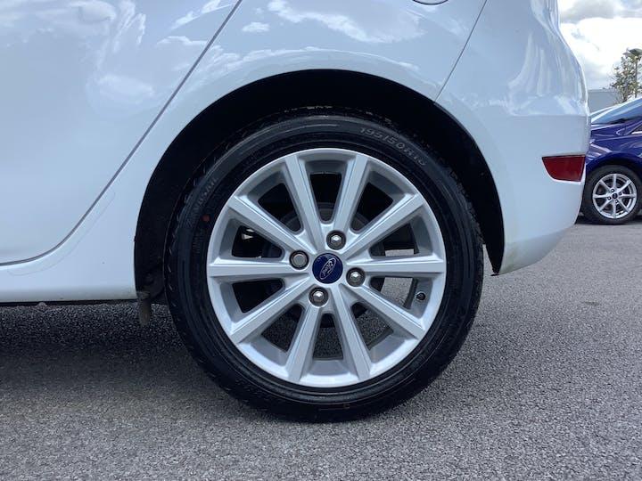 Ford Fiesta 1.0 T Ecoboost Titanium Hatchback 5dr Petrol Manual (s/s) (99 G/km, 99 Bhp)   MT65UFZ   Photo 15