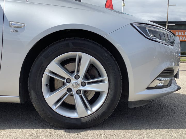 Vauxhall Insignia 1.6 Turbo D Ecotec Elite Nav Sports Tourer 5dr Diesel (s/s) (136 Ps)   VA18DLZ   Photo 15