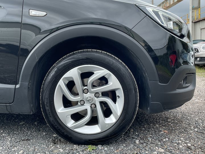 Vauxhall Crossland X 1.6 Turbo D Ecotec Blueinjection SE SUV 5dr Diesel Manual (s/s) (99 Ps) | YD18NHM | Photo 15