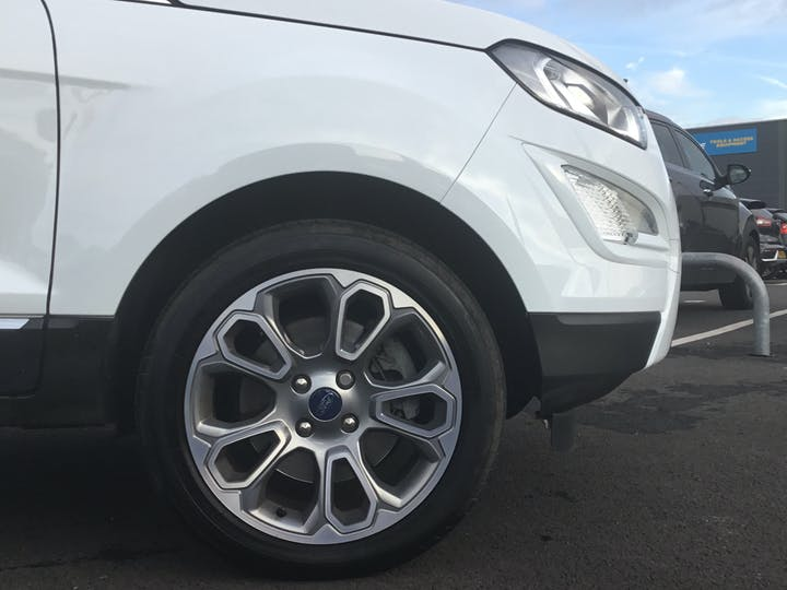 Ford EcoSport 1.0t Ecoboost Titanium SUV 5dr Petrol Auto (s/s) (125 Ps) | YP68XTW | Photo 15
