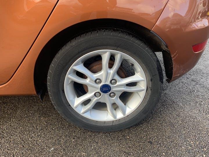 Ford Fiesta 1.0 T Ecoboost Zetec Hatchback 5dr Petrol Manual (s/s) (99 G/km, 99 Bhp)   EO65XRJ   Photo 16