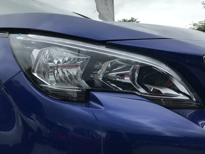 Peugeot 3008 1.5 Bluehdi Allure 5dr   FP69ULY   Photo 16