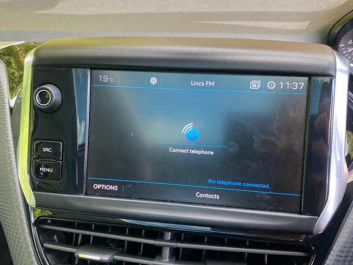 Peugeot 2008 1.2 Puretech Allure Premium 5dr | LR19EAK | Photo 16