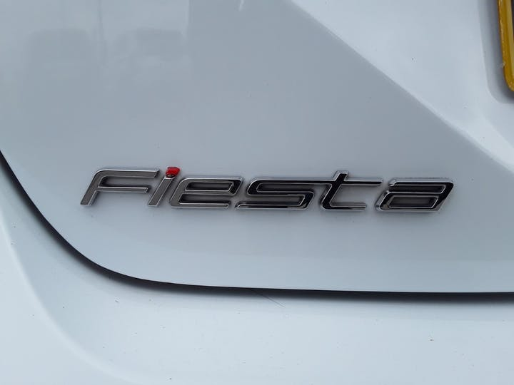 Ford Fiesta 1.0t Ecoboost Zetec Hatchback 3dr Petrol Manual (s/s) (100 Ps) | MJ67XRT | Photo 16