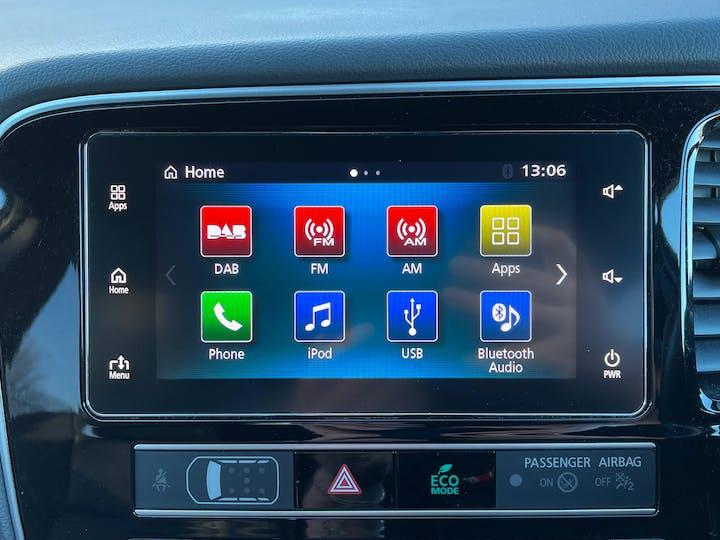 Mitsubishi Outlander 2.4h Twinmotor 13.8kwh 4h SUV 5dr Petrol Plug In Hybrid Cvt 4wd (s/s) (209 Ps) | YH19JRL | Photo 16