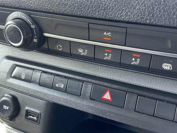 Vauxhall Vivaro 1.5 Turbo D 2900 Dynamic Panel Van 6dr Diesel Manual L2 H1 Eu6 (s/s) (100 Ps) | DV20AFN | Photo 17