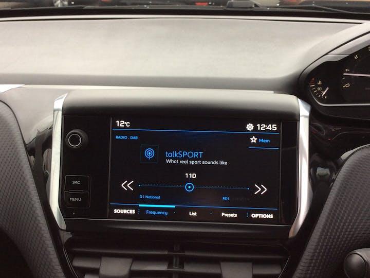 Peugeot 208 1.2 Puretech Allure Premium Hatchback 5dr Petrol (s/s) (82 Ps) | MD18CHO | Photo 17