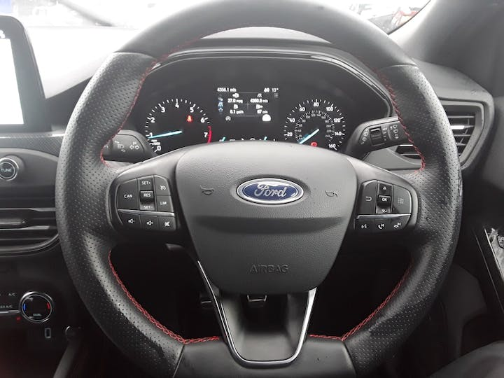 Ford Focus 1.0 Ecoboost 125PS ST-line X 5dr   MH68PYG   Photo 17