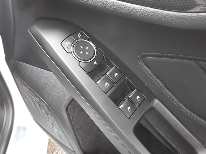 Ford Focus 1.0t Ecoboost St Line Hatchback 5dr Petrol Manual (s/s) (125 Ps) | ML19VBF | Photo 17