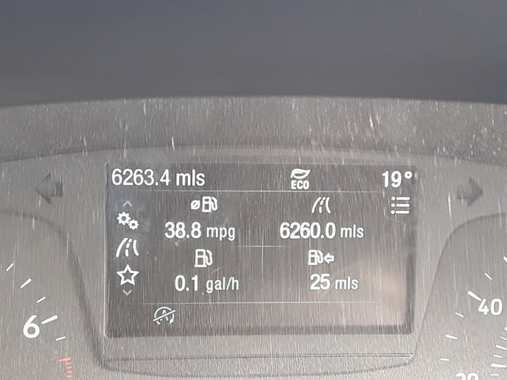 Ford Fiesta 1.0t Ecoboost Zetec Hatchback 5dr Petrol Manual (s/s) (100 Ps) | MM67VKN | Photo 17
