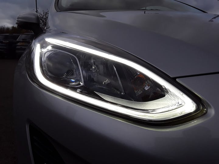Ford Fiesta 1.1 Ti Vct Zetec Hatchback 3dr Petrol Manual (s/s) (85 Ps) | MT18BNX | Photo 17