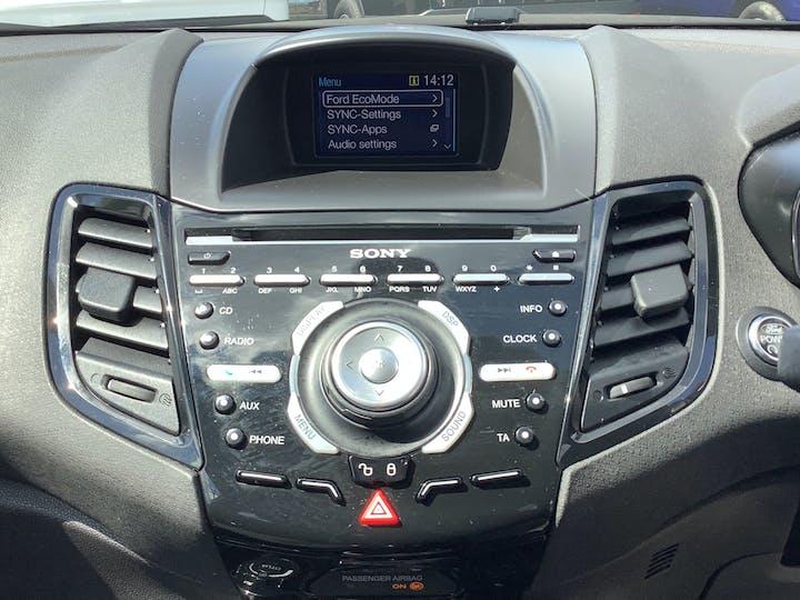 Ford Fiesta 1.0 T Ecoboost Titanium Hatchback 5dr Petrol Manual (s/s) (99 G/km, 99 Bhp)   MT65UFZ   Photo 17