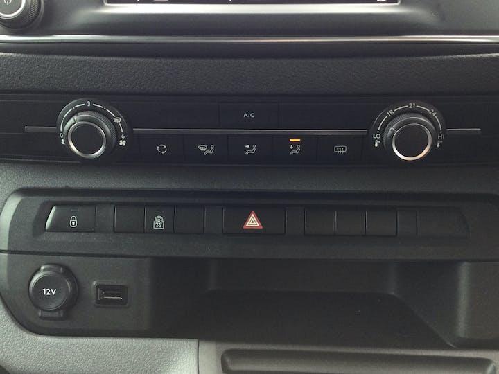 Vauxhall Vivaro L2 Diesel 3100 2.0d 180 Ps Elite H1 D/cab Auto | FD21DWL | Photo 18