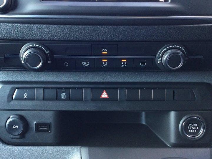 Vauxhall Vivaro 2.0 Turbo D 3100 Elite Crew Van 5dr Diesel Manual L2 H1 Eu6 (s/s) (150PS) | FH70OXE | Photo 18