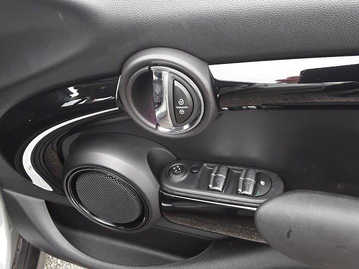 MINI Hatch 2.0 Cooper S Hatchback 5dr Petrol Auto (s/s) (192 Ps) | LA17GUH | Photo 18