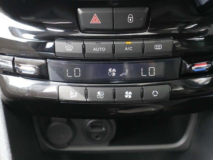 Peugeot 2008 1.2 Puretech Allure Premium 5dr | LR19EAK | Photo 18