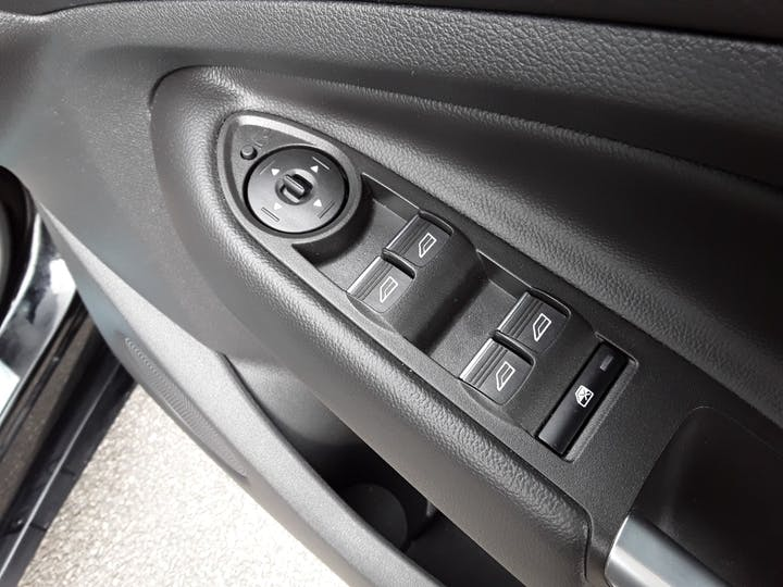 Ford Kuga 1.5 TDCi St Line SUV 5dr Diesel Manual (s/s) (120 Ps) | MJ68UST | Photo 18