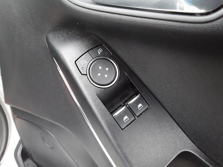 Ford Fiesta 1.1 Ti Vct Zetec Hatchback 3dr Petrol Manual (s/s) (85 Ps) | MT18BNX | Photo 18