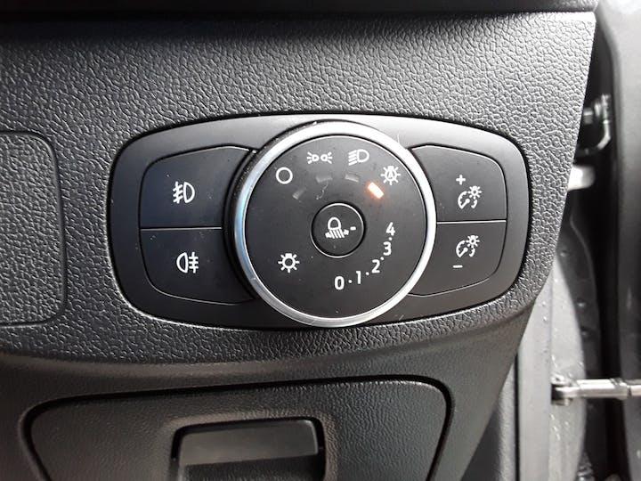 Ford Focus 1.0 Ecoboost 125PS Titanium 5dr | MV68YUT | Photo 18