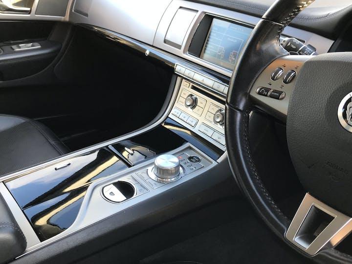 Jaguar XF 3.0 TD V6 S Premium Luxury Saloon 4dr Diesel Automatic (169 G/km, 271 Bhp) | RE11WBK | Photo 18