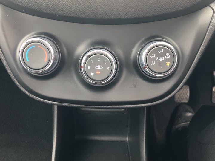 Vauxhall Viva 1.0i SE Hatchback 5dr Petrol (75 Ps) | YM65HHG | Photo 18