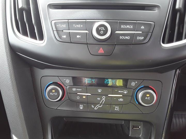 Ford Focus 1.5 TDCi 120PS Titanium 5dr | BC66EWV | Photo 19