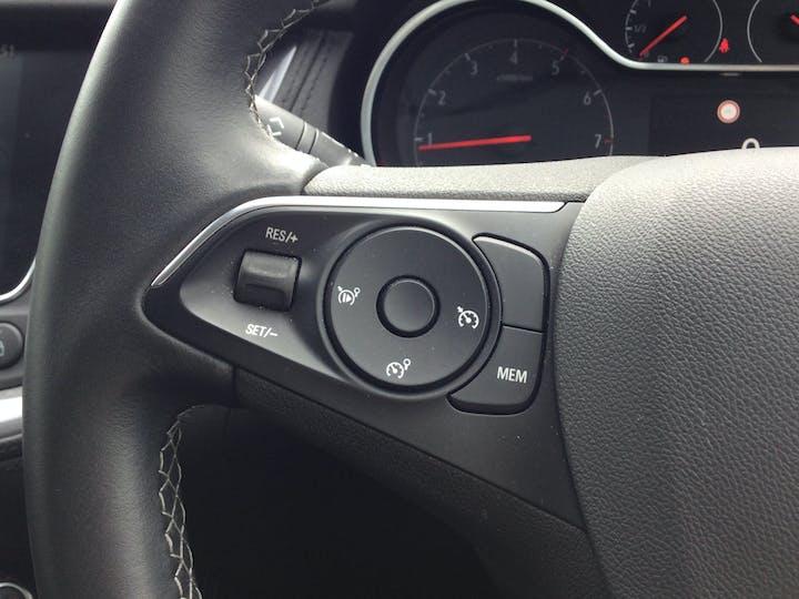 Vauxhall Grandland X 1.2 Turbo SRi Nav SUV 5dr Petrol Manual (s/s) (130 Ps)   DT69YAW   Photo 19