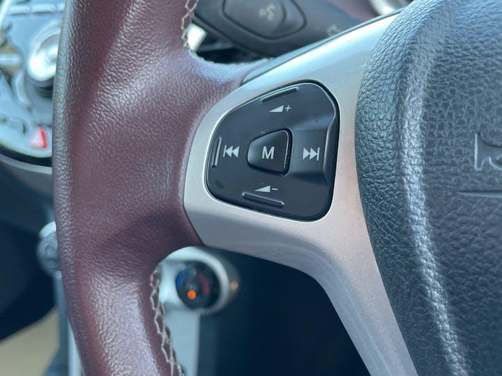 Ford Fiesta 1.4 Titanium Hatchback 5dr Petrol Manual (133 G/km, 94 Bhp)   FG60RZX   Photo 19