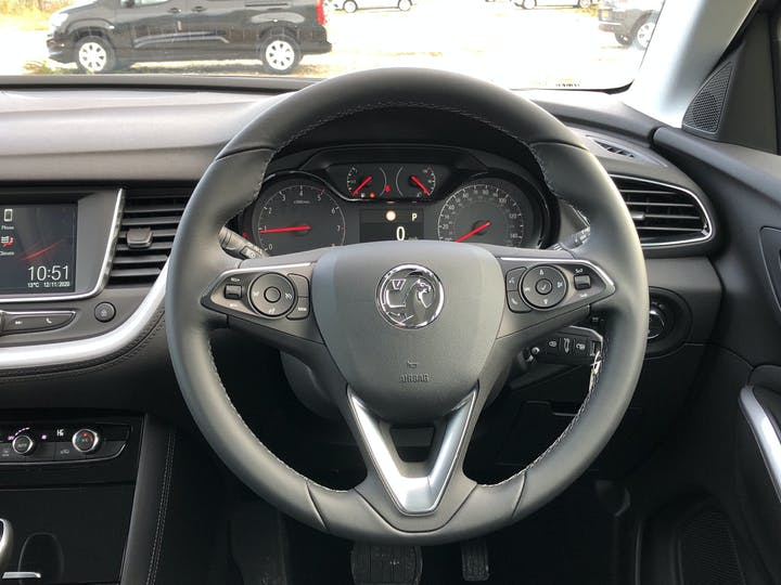 Vauxhall Grandland X 1.5 Turbo D Blueinjection SE SUV 5dr Diesel Auto (s/s) (130 Ps) | FP70KHL | Photo 19