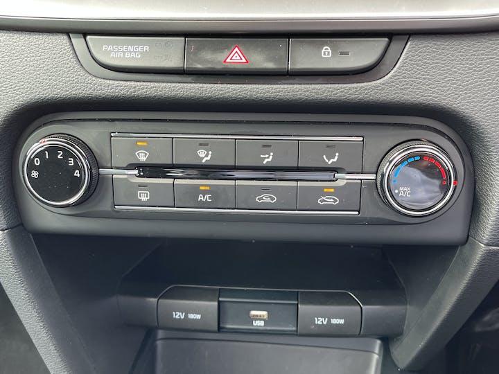 Kia XCeed 1.6 CRDi 2 SUV 5dr Diesel Manual (s/s) (114 Bhp) | LG20OTM | Photo 19