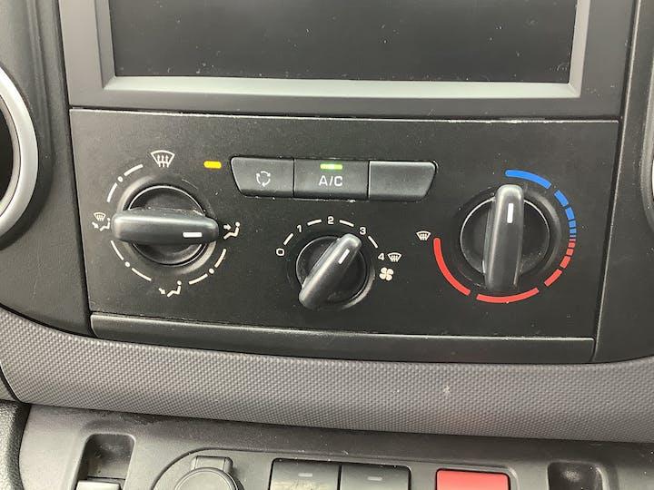 Peugeot Partner 1.6 Bluehdi Professional L1 Panel Van 5dr Diesel Manual (112 G/km, 97.64 Bhp)   LL68DGZ   Photo 19