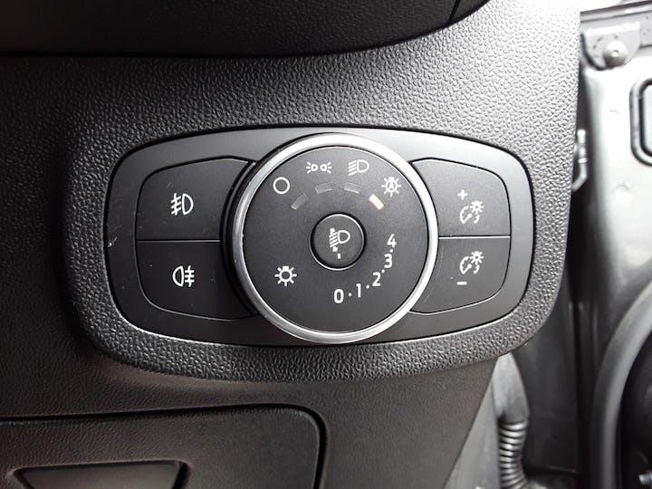 Ford Fiesta 1.0t Ecoboost Titanium Hatchback 5dr Petrol Manual (s/s) (100 Ps) | MD67KCJ | Photo 19