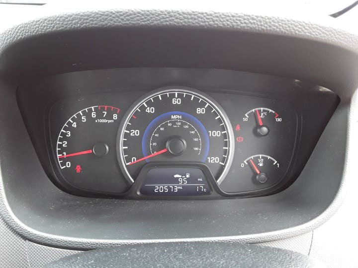 Hyundai i10 1.0 SE Hatchback 5dr Petrol (66 Ps) | MF67CSU | Photo 19