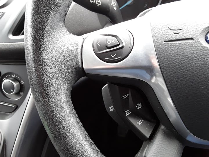 Ford Kuga 1.6 Ecoboost Zetec 5dr 2wd | MK64AEA | Photo 19