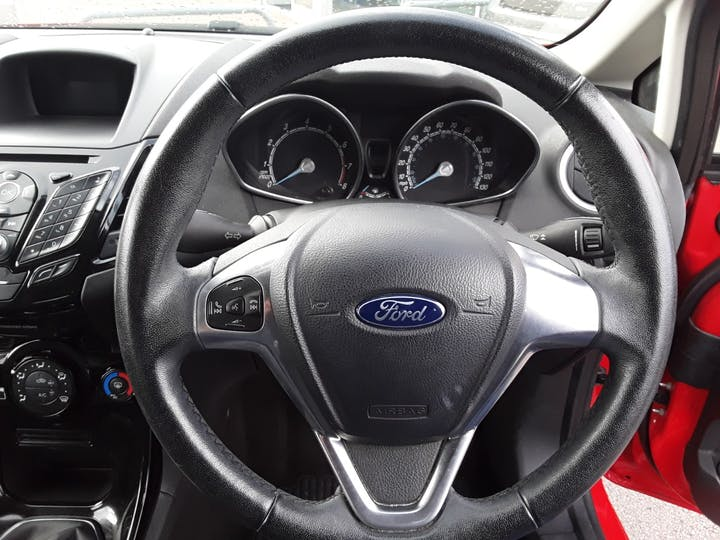 Ford Fiesta 1.25 Zetec Hatchback 5dr Petrol Manual (eu6) (122 G/km, 81 Bhp) | ML15PTO | Photo 19