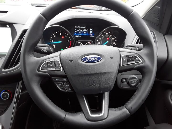 Ford Kuga 2.0 TDCi Titanium X SUV 5dr Diesel Manual (s/s) (150 Ps) | MW18WZX | Photo 19