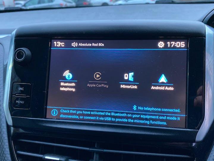 Peugeot 208 1.2 Puretech Signature Hatchback 5dr Petrol (s/s) (82 Ps) | NU68JHO | Photo 19