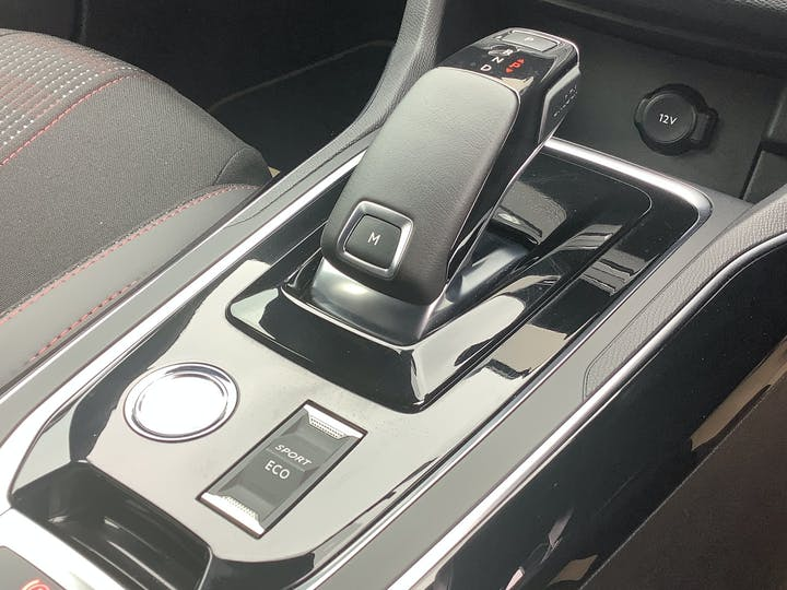 Peugeot 308 1.2 Puretech GT Hatchback 5dr Petrol Eat (s/s) (130 Ps) | YR21DYF | Photo 19