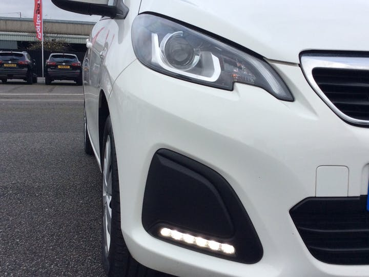 Peugeot 108 1.0 Active Hatchback 5dr Petrol (68 Ps) | YT18CLF | Photo 19