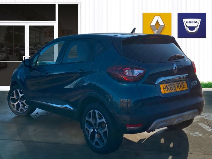 Renault Captur 1.3 Tce 130PS GT Line 5dr | HK69RKE | Photo 2