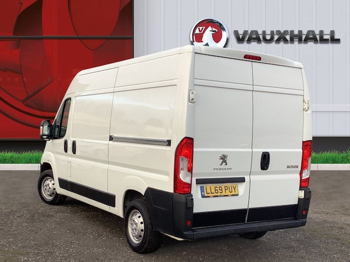 Peugeot Boxer 2.2 Bluehdi 335 Professional Panel Van 5dr Diesel Manual L2 H2 Eu6 (s/s) (140 Ps) | LL69PUY | Photo 2