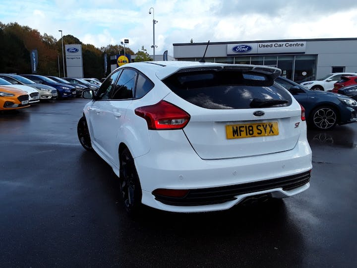 Ford Focus 2.0t Ecoboost ST-3 Navigation 5dr | MF18SYX | Photo 2
