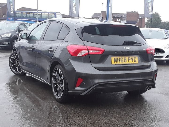 Ford Focus 1.0 Ecoboost 125PS ST-line X 5dr   MH68PYG   Photo 2
