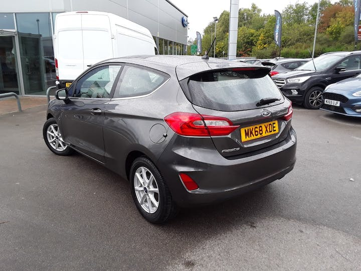 Ford Fiesta 1.1 Zetec Navigation 3dr | MK68XDE | Photo 2