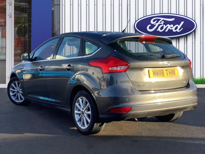 Ford Focus 1.0t Ecoboost Titanium Hatchback 5dr Petrol (s/s) (125 Ps) | MM18THN | Photo 2