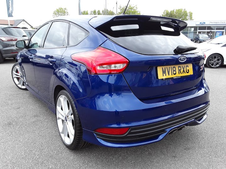 Ford Focus 2.0 TDCi 185PS ST-2 Navigation 5dr | MV18RXG | Photo 2