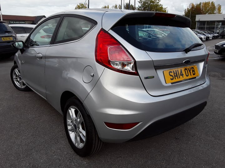 Ford Fiesta 1.0 Ecoboost Zetec Hatchback 3dr Petrol Manual (s/s) (99 G/km, 99 Bhp) | SM14OYB | Photo 2